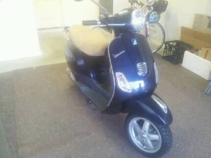 Vespa Scooter LX50 Midnight Blue Helensvale Gold Coast North Preview