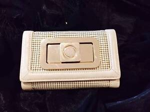 Second-hand Oroton wallet Acton North Canberra Preview