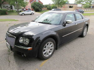 2009 Chrysler 300 Limited, RWD.