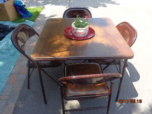 Card Table With 4 Padded Chairs
