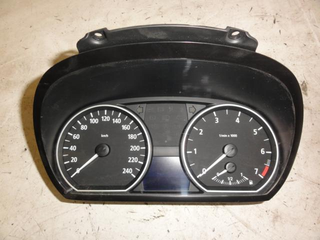 BMW 1er E87 116i Kombiinstrument Bj. 2005 1024932 154.187 km*