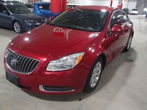 2012 Buick Regal BASE WITH ALLOYS AND HALF LEATHER ***FRESH***