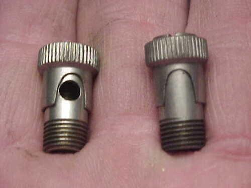 "2 NOS Gits 5/16"" X 32 tpi. Revolving Sleeve Twist Fill Oiler Antique Automobile"