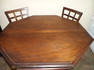 Octagon table with  6 chairs