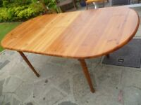 Pine Extending Table £25 - dismantled and ready to go!