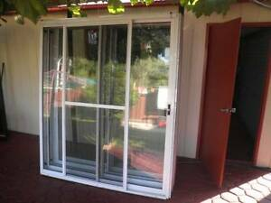 6 aluminium sliding doors white near new condition Liverpool Liverpool Area Preview