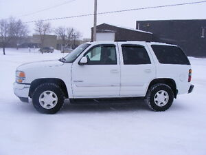 2005 GMC YUKON---EXCELLENT CONDITION--3rd ROW SEATING--