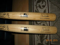 MINT New York Yankees Derek Jeter Style Wooden Youth Bats 31 in