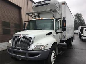 2015 international low kms maxxforce 5 TON 22' reefer - $82900
