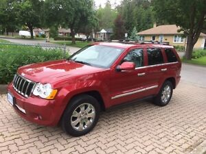 2010 JEEP GRAND CHEROKEE - FULLY LOADED!!!