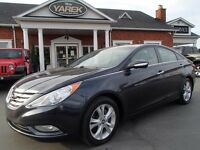 2011 Hyundai Sonata Limited w/Nav, Leather Heated Seats.