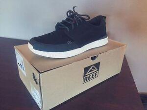 BRAND NEW Reef Rover Low Shoes (Size 9)