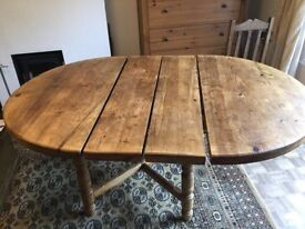 Beautiful Rustic Solid Oak Extending FARMHOUSE TABLE - £150 ONO
