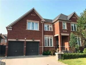 3 Bdrm 3 Bath Home In Richmond Hill!