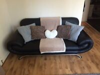 2X Stylish leather sofa's