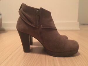 Browns Booties for sale Size 6