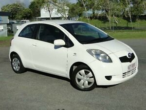 2007 Toyota Yaris NCP90R YR White 5 SPEED Manual Hatchback Parramatta Park Cairns City Preview