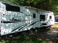 Roulotte Palomino 28 pieds ultra light 2011