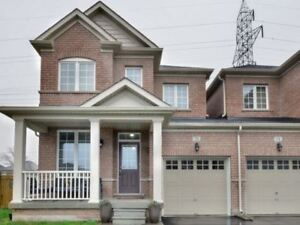 Huge 3 Bedroom 3 Washroom By Queen/Chinguacousy