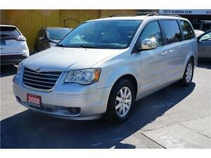 2008 CHRYSLER TOWN & COUNTRY * Low KM * ***Clearance $pecial***