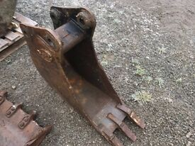 Geith 1ft bucket to suit 6 ton hitachi Digger or 3CX Excavator