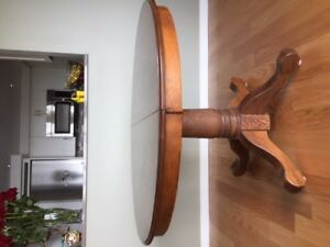 "48 "" round solid oak pedestal dining table"