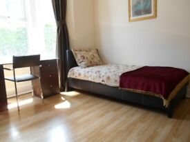 Lovely sunny East Oxford room available 1st June