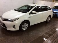 2014 TOYOTA AURIS 1.8 TOURING ICON HYBRID AUTO ESTATE LIKE PRIUS CAN PCO AND UBER ACCEPTED WARRANTY