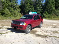2004 Ford Explorer Limited SUV, Crossover