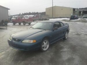 1998 Ford Mustang Coupe (2 door)