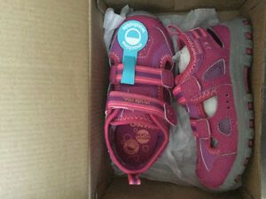 Brand New with Tags size 9 Stride Rite Awesome Quality Shoe