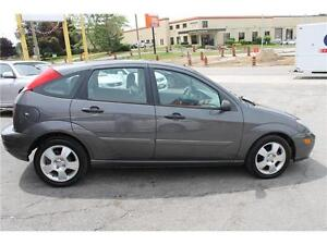 2004 Ford Focus *ZX5 Premium* / LOW KMs  .AUTO.  LEATHER . SUNRO Kitchener / Waterloo Kitchener Area image 7