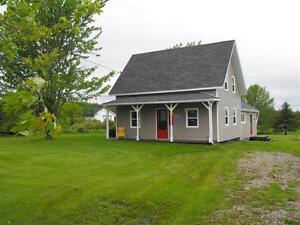 Maison-chalet à St-Isidore, N.-B. dans la Péninsule acadienne