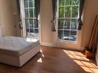 A Fantastic 4 bed flat over 3 floors in Angel ( No Lounge)