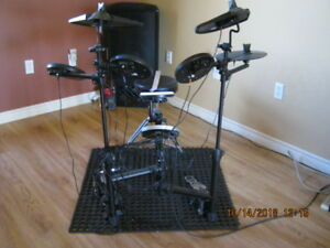 RB,ELECTRONIC DRUM KIT,RB-EDS130,WESTBURY THRONE,A015J.BOUGHTNEW