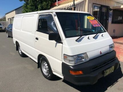 2011 Mitsubishi Express SJ MY11 SWB White 5 Speed Manual Van