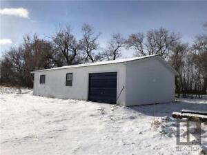 Workshop on 2.51 acres within town limits of Oakburn, MB
