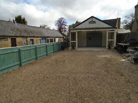 Tabernacle workshop to let in Thorney, nr Peterborough. Large frontage/forecourt.