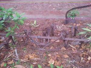 **OLD MASSEY FERGUSON PLOUGH & RIPPER ** Coes Creek Maroochydore Area Preview