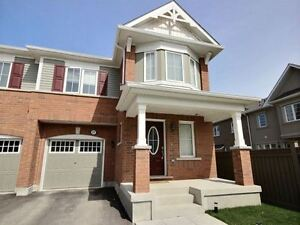 Aurora Town home / town house for Rent Leslie/Wellington 3BR 3WR