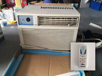 8200btu Air conditioning unit & remote Climatiseur avec commande