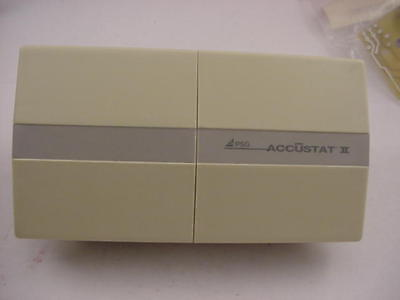 Accustat Wall Thermostat T25ah Heat-cool Ships On The Same Day Of The Purchase