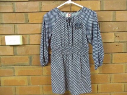 COTTON ON KIDS LONG LINE TOP- RUCHED WAIST, LONG SLEEVE-SIZE 8 Mudgee Mudgee Area Preview