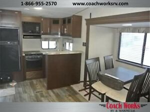Lite weight couples 5th wheel that is fully loaded! Call tristan Edmonton Edmonton Area image 3
