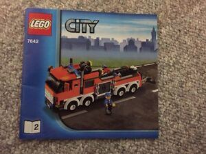 Lego City Garage With Towtruck  and Car Kitchener / Waterloo Kitchener Area image 2
