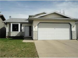 Beautifully Maintained Family Home!