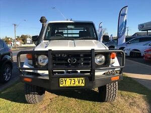 2002 Toyota Landcruiser HZJ79R (4x4) White 5 Speed Manual 4x4 Cab Chassis Young Young Area Preview