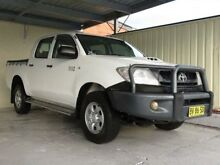 2010 Toyota Hilux KUN26R MY11 Upgrade SR (4x4) White 5 Speed Manual Dual Cab Pick-up Condell Park Bankstown Area Preview