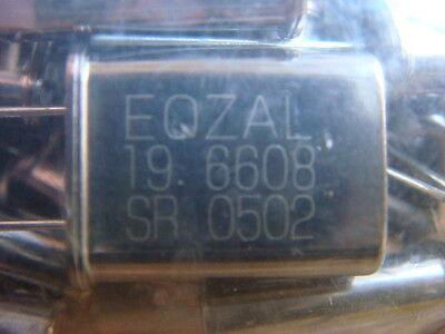 Lot 300 19.6608 Mhz Crystal Oscillators - New And Unused