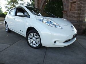 2013 Nissan Leaf ZE0 White Reduction Gear Hatchback Concord Canada Bay Area Preview